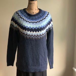Sonoma scoop neck sweater top size M